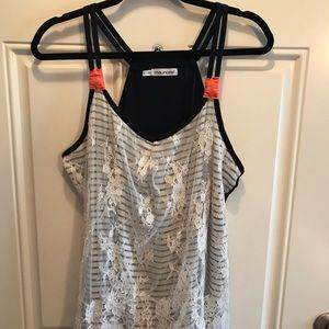 Maurices size 1X blue & white w/coral & lace tank